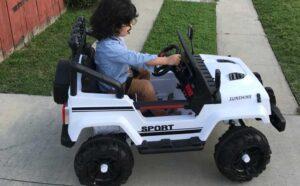 Uenjoy-Electric-Kids-Ride-On-Toy-Car.jpg1